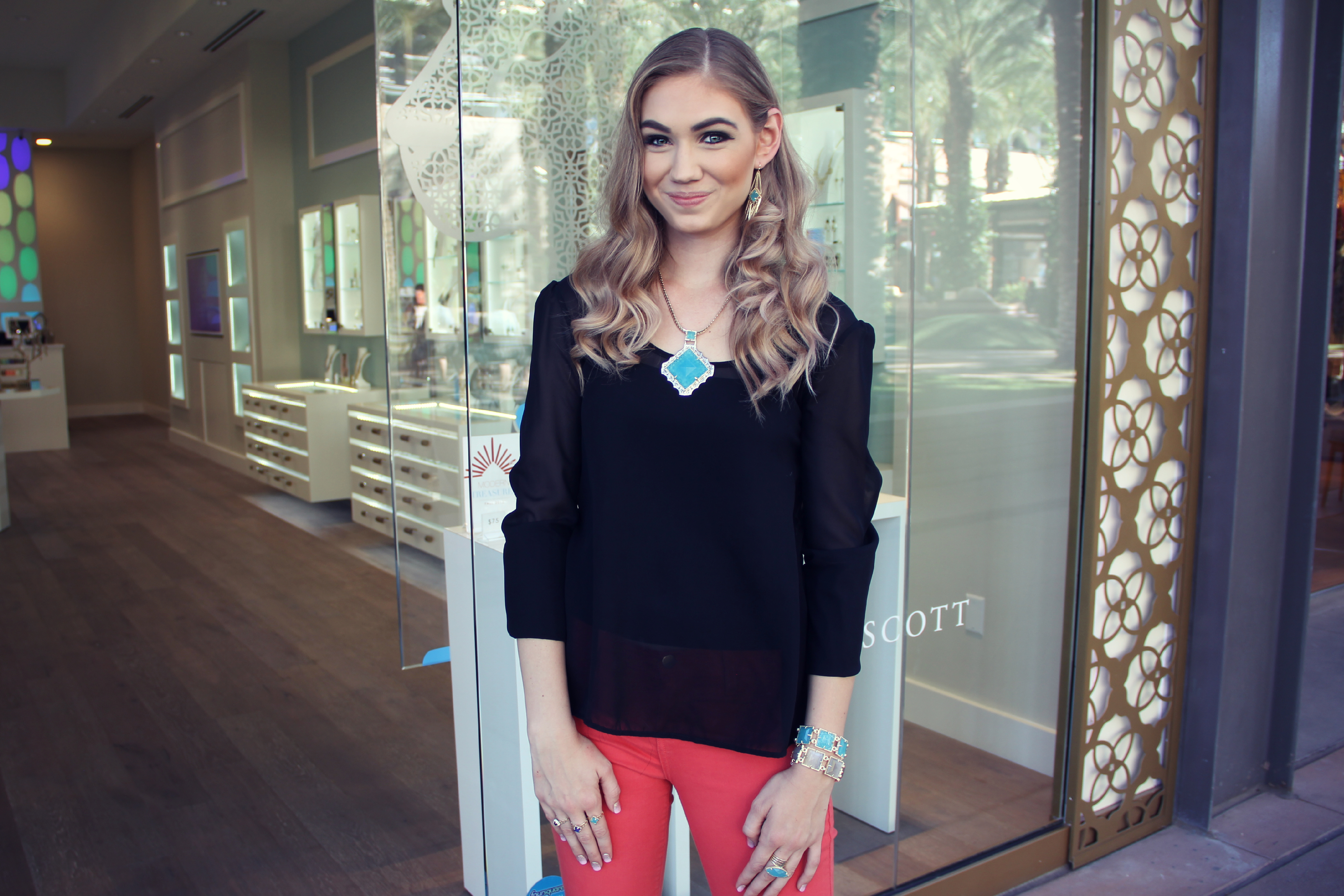 Kendra Scott Lindsay Viker Couture in the Suburbs
