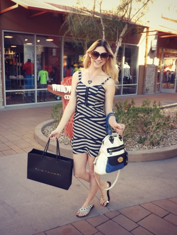 Lindsay Viker Phoenix Premium Outlets Couture in the Suburbs