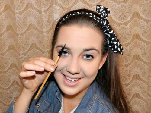 makeup brush tutorial eye