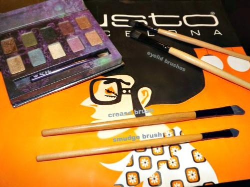 makeup brush tutorial eyeshadow